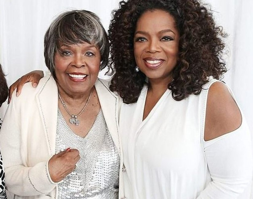 Oprah_Winfrey_right_and her Mother Vernita Lee who_has_die